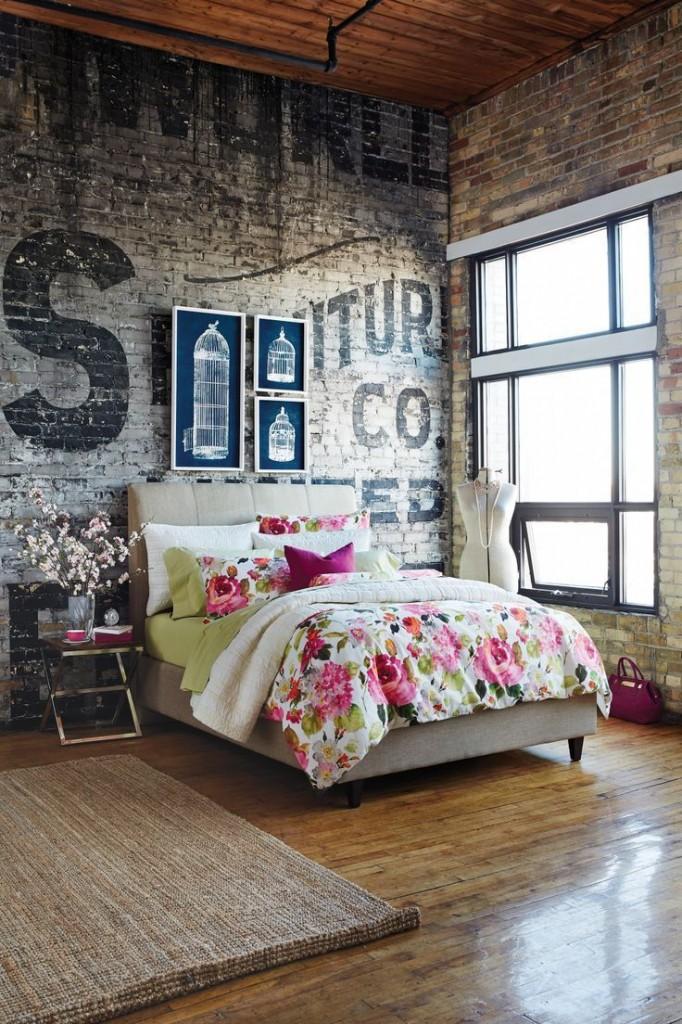 stencilled wall