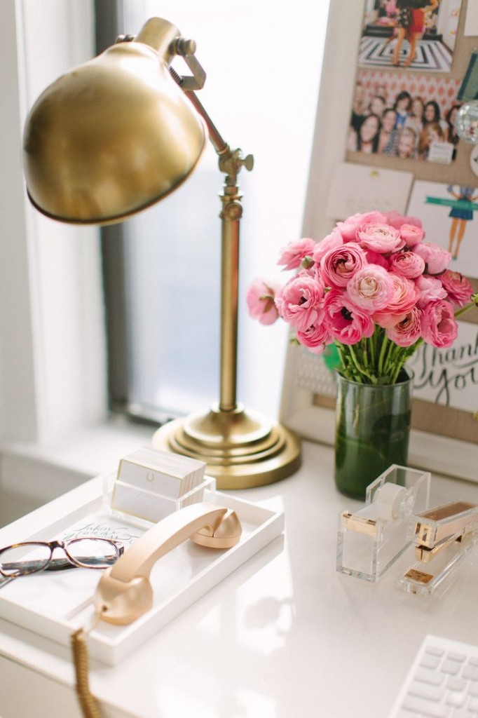 pink flowers desk